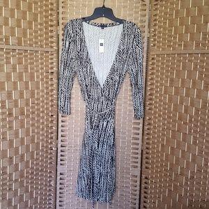 Gap | Black & Cream Print Wrap Dress